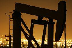 Giá dầu tăng liền mạch 4 phiên, phá đỉnh 3 năm