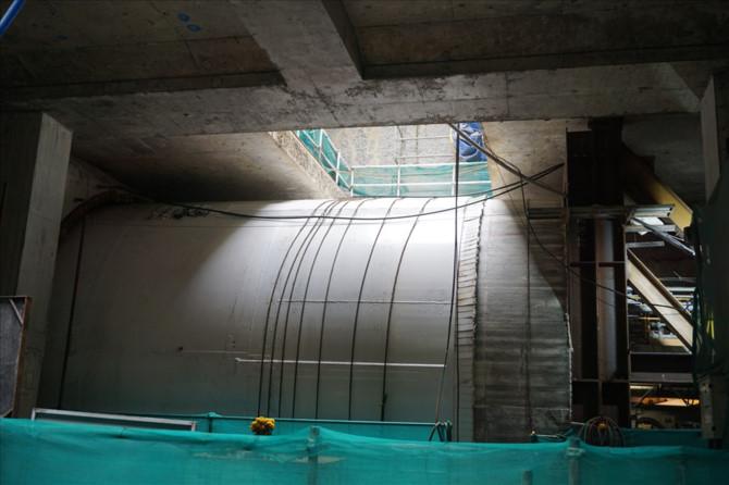 Vỏ đường hầm metro thứ 2 được robot TBM đào.
