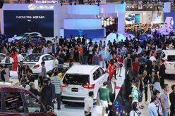 """Công nghệ tuần qua: Vì đâu người Việt """"vỡ mộng"""" mua ô tô nhập giá rẻ?"""