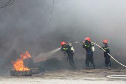 Cơ sở sửa chữa ôtô ở Vũng Tàu bốc cháy dữ dội