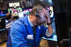 Chứng khoán Mỹ lại chìm trong sắc đỏ, Dow Jones mất 380 điểm