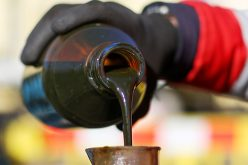 Giá dầu nối chuỗi tăng 3 phiên