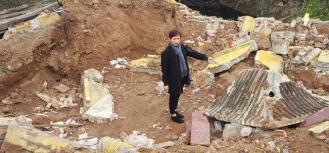 Dự án The Eden Rose: Di dời hàng chục ngôi mộ để làm đường vào!