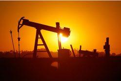 Giá dầu sụt mạnh do lo ngại chiến tranh thương mại, sản lượng Mỹ