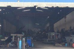 <span class='bizdaily'>BizDAILY</span> : Đóng cửa 2 nhà máy: Hàng trăm công nhân bơ vơ