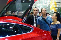 """Giá ô tô nội """"bình chân như vại"""", người Việt ngóng xe nhập từ ASEAN"""