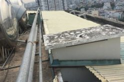 Chung cư Sài Gòn xây cả căn hộ để bán trên lối thoát hiểm