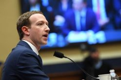 Nhà đầu tư lo chuyện Mark Zuckerberg là CEO kiêm chủ tịch Facebook