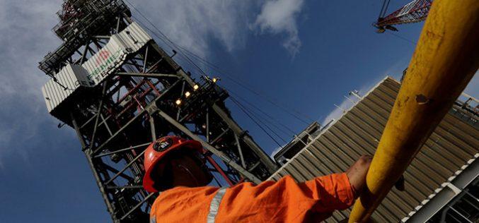 Giá dầu có tuần tăng mạnh nhất trong 8 tháng