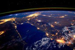 Nhìn trời đêm, đoán tăng trưởng GDP