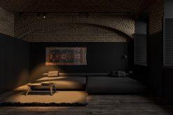 Sức cuốn hút kỳ lạ của căn hộ trang trí màu đen