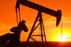 Giá dầu để tuột mốc 80 USD/thùng