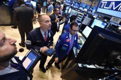 Giới đầu tư ngập ngừng chờ tin mới