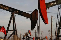 Mỹ đe trừng phạt Venezuela, giá dầu lại lên đỉnh 3 năm rưỡi