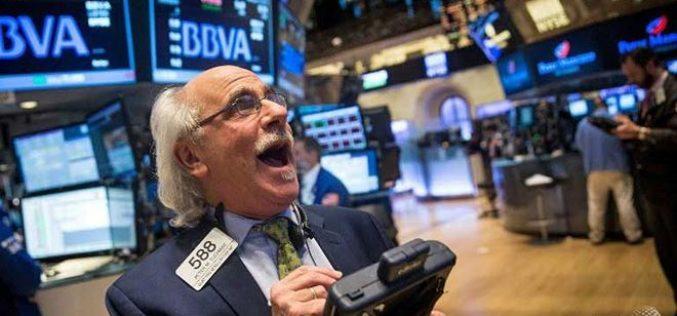 Chứng khoán, dầu thô tiếp tục tăng mạnh, giá vàng điều chỉnh