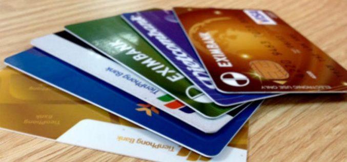 Dùng giấy tờ tùy thân giả để mở thẻ ATM có thể bị truy cứu trách nhiệm hình sự