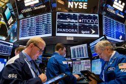 Giá dầu tụt áp kéo lùi chứng khoán Mỹ