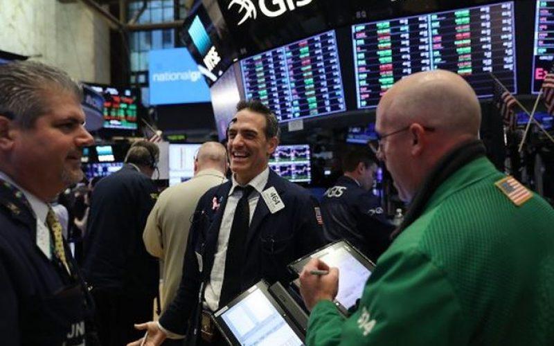Bất ngờ nhận hàng loạt tin tốt, giới đầu tư lấy lại sự tự tin