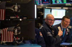 Nhà đầu tư nhận thông tin hỗ trợ bất ngờ