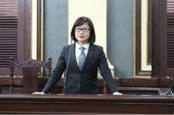 Vụ xét xử bà Hứa Thị Phấn: Một là làm theo hai là nghỉ việc?