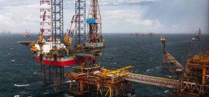 Kim ngạch xuất khẩu dầu thô tiếp tục giảm mạnh