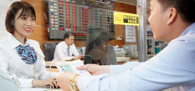 Ngân hàng giảm nguồn vì đụng trần tín dụng