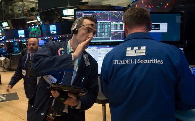 Hai cách thức để nhà đầu tư quản lý rủi ro nếu xảy ra chiến tranh thương mại