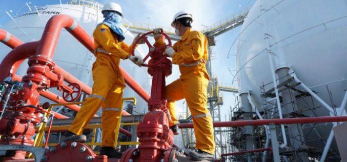 """Doanh nghiệp 24h: Tỷ giá tăng cao, doanh nghiệp xăng dầu """"ngồi trên đống lửa"""""""