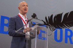 Jeff Bezos tính thu phí 200.000 USD cho chuyến du hành vào không gian