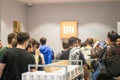 Cổ phiếu Xiaomi mất giá ngay ngày giao dịch đầu tiên
