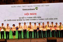 Vietcombank khen thưởng cho 13 chi nhánh có thành tích xuất sắc