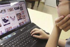 """Làm thế nào để """"siết"""" thuế của hàng triệu tài khoản bán hàng online?"""