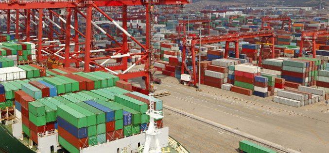 Thương mại toàn cầu chững lại khi căng thẳng thương mại Trung – Mỹ tăng cao
