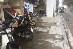 Một đoạn vỉa hè lát 3 kiểu khác nhau ở Hà Nội