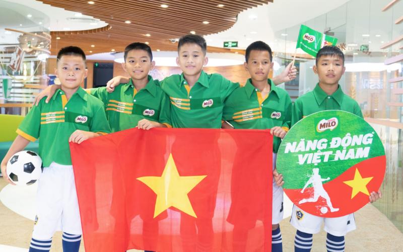 Neslte đưa 5 cầu thủ nhí Việt Nam sang tập huấn tại Barcelona