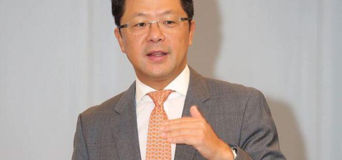 Ông Andy Hồ: Thị trường giảm, cơ hội mua vào cổ phiếu có P/E dưới 18 lần