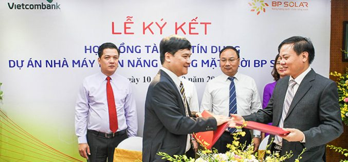 Vietcombank ký kết hợp đồng tín dụng tài trợ 785 tỷ đồng cho dự án điện mặt trời BP SOLAR 1
