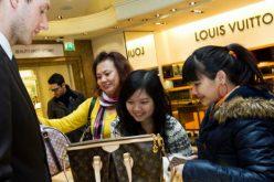 Mặc chiến tranh thương mại, người Trung Quốc vẫn vung tiền cho hàng hiệu