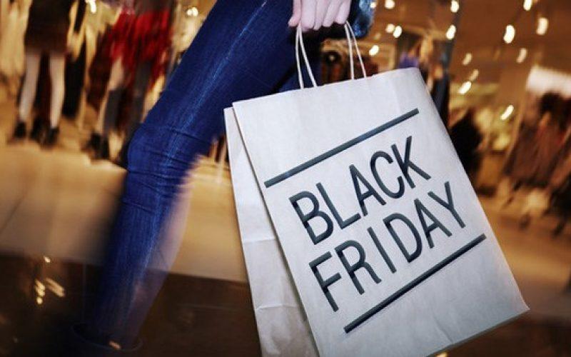 Thị trường 24h: Hàng loạt cửa hàng đã treo biển giảm giá đón Black Friday