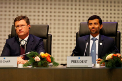 OPEC và Nga đồng ý giảm sản xuất dầu