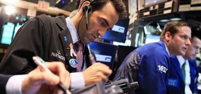 Nhà đầu tư thận trọng trước hàng loạt mối lo