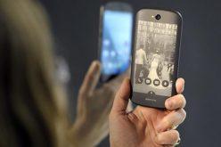 Công ty đứng sau điện thoại màn hình kép YotaPhone phá sản