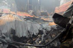 Nhà xưởng đổ sập trong vụ cháy làm 8 người chết ở Hà Nội