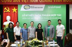 Cục An toàn thực phẩm và Grab ký thỏa thuận nâng cao nhận thức về an toàn thực phẩm