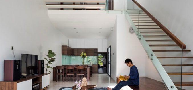 """Chiếc cầu thang """"níu chân"""" khách trong ngôi nhà Sài Gòn"""