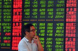 Nhà đầu tư nước ngoài ồ ạt bán cổ phiếu Trung Quốc trước thềm đàm phán thương mại