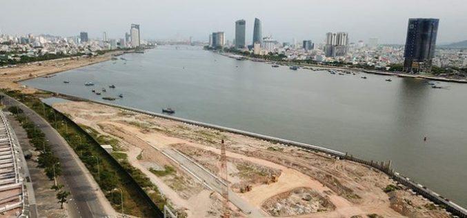 Địa ốc 24h: Đà Nẵng rà soát lại các dự án ven sông Hàn