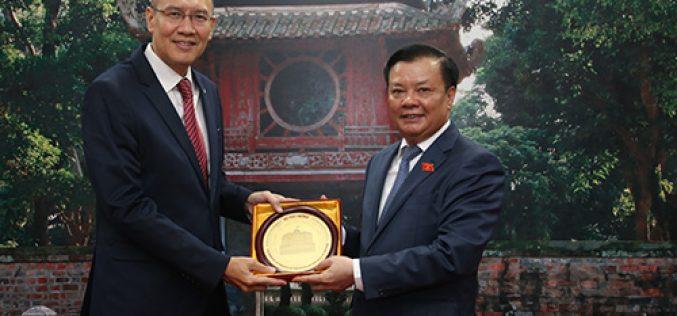 Bộ trưởng Đinh Tiến Dũng tiếp Chủ tịch AFA