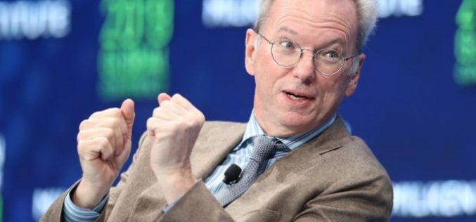 Hai cựu giám đốc điều hành Google rời ghế hội đồng quản trị
