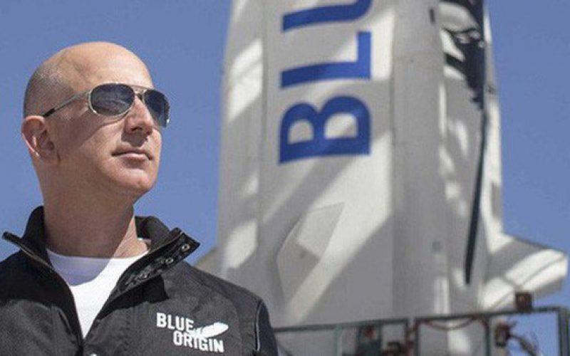 Hai từ bí mật hoàn toàn trái ngược nhau lý giải sự thành công của Jeff Bezos